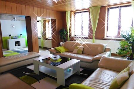 100qm  Ferienwohnung in Rinteln - Apartment
