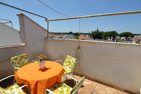 Nice flat on seaside, close to Rome - Marina - Apartment