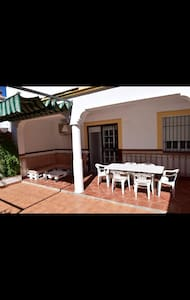 Casa con gran patio - Arriate