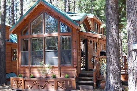 Cozy Tahoe Cabin Getaway