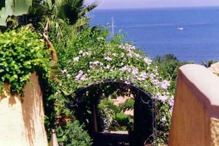 By the sea - Baia dei Turchi Sicily - Brucoli - Haus