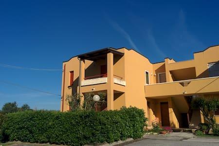 Casa Vacanze a 100m dal Mare - Apartment