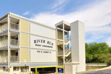 Downtown New Braunfels, Comal River - New Braunfels - Apartamento