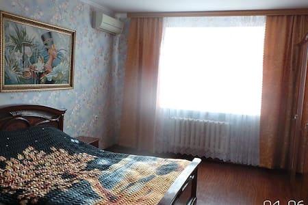 сдам 3х комнатную квартиру - Apartment