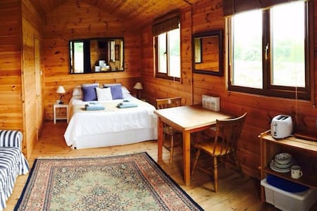 The Cabin at Roscullion, Padstow - Hytte