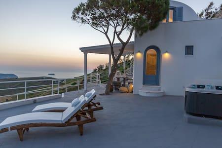 Sea View Junior Suite with Hot-Tub - Πύργος Καλλίστης