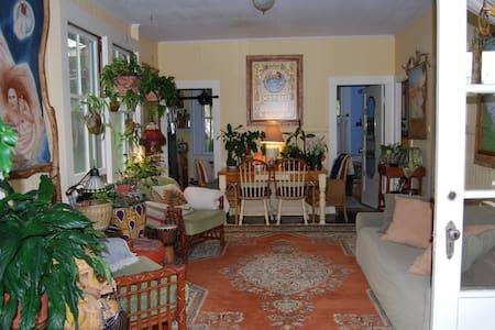 Wonderful Small Waimea Home - Ház
