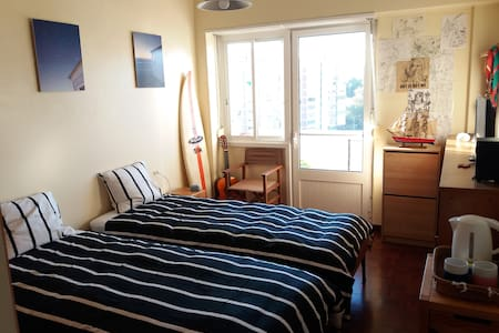 Room- beautiful Lisbon view- near Airport - Apartment