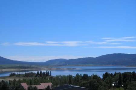 Studio Apartment with Superb Views - Jindabyne - Apartment