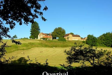 Queytival, maison de la Cour, 27 Ha