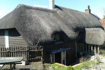Manor Cottages, Abbotts Ann, Hamps - Casa
