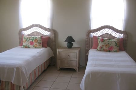 Yellow Bell Villa in Nevis - Charlestown
