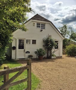 Cydonia Cottage, Bilsington KENT. - Kent - House