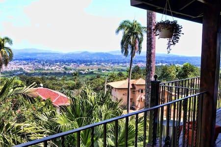 Top 20 paso bajito vacation rentals vacation homes for Villas en jarabacoa