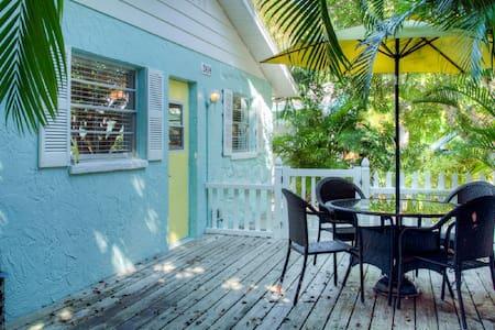 Anna Maria Island Beach Villa(East) - Bradenton Beach - Villa