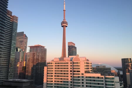 Beautiful Bright Perfect Location - Toronto - Appartamento