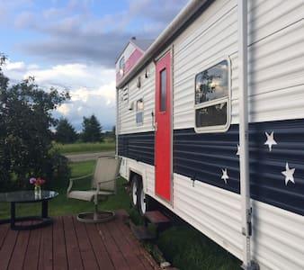 Riverbend Retreat - Camper/RV