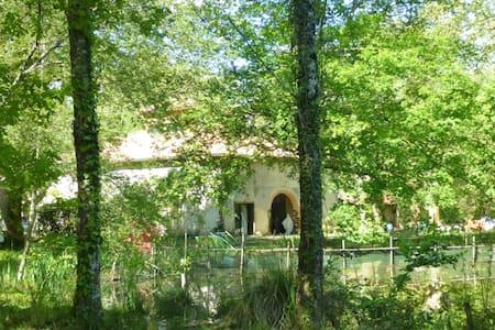 Grange aménagée 200m2 - Pleine nature - Calme. - Ev