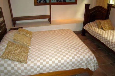 Coravida hostel 2 - Quepos - Bed & Breakfast