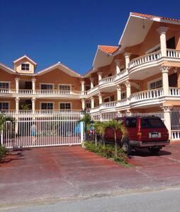 Bello Apartamento en Playa - Punta Cana