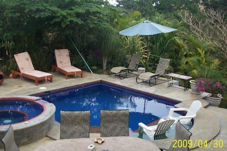 Priv Casita w pool/jungle