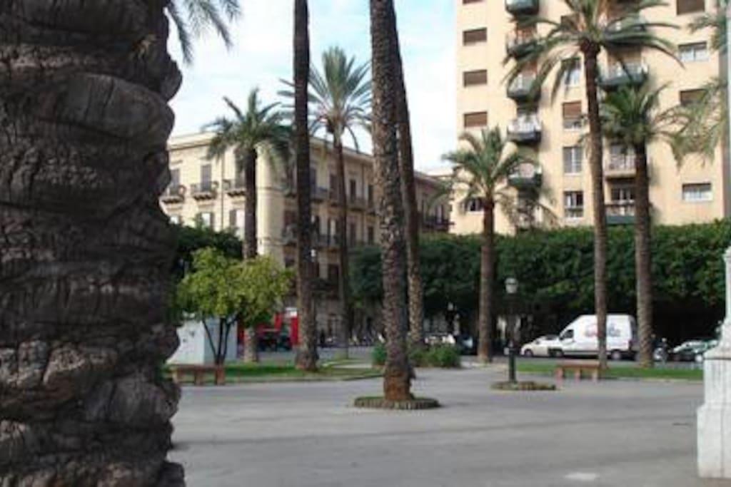Piazza Politeama Castelnuovo