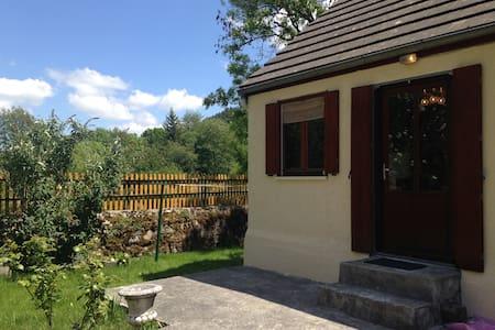 Charmante petite maison de 40m2 - Casa