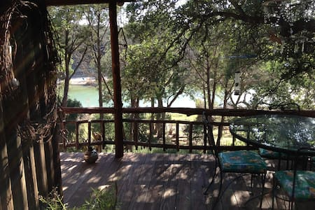 Rustic Private Cabin, Blanco River - Wimberley - House