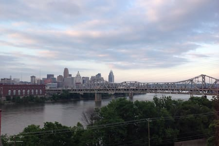 Amazing view of Cincinnati!!! - Ház