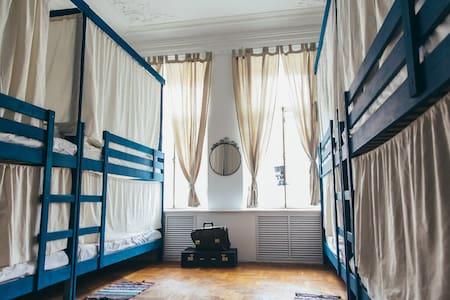 Fjord Hostel 10местный, unisex 10 bed-room - Saint Petersburg - Bed & Breakfast