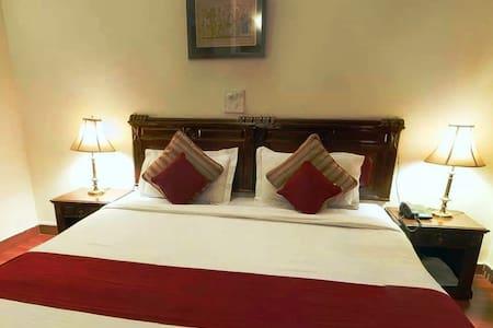 Geo Stays Classic - Gurgaon - Bed & Breakfast
