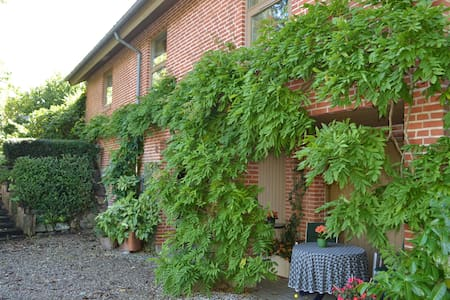 Double from 252 Dkk - Bed & Breakfast