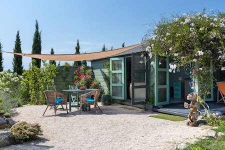 """Eco Cabanon """"HUT""""in garden withPool - Mougins - Cabin"""