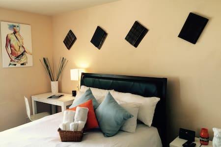 Room near Vegas Strip & Conv. Ctr