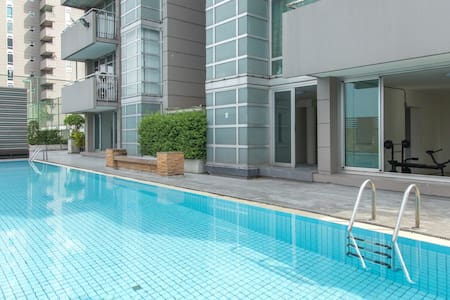 Golden  Lake view Condo  Victoria 1 - Bangpud  Pakkred