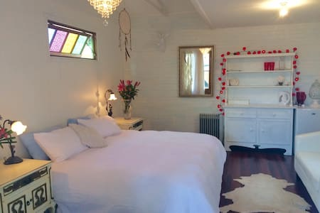 Peaceful cabin in town centre - Mullumbimby - Hytte