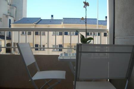 Studio apartment near sandy beach - Appartement