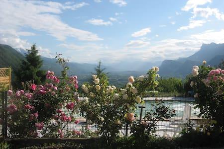 Maison avec vue, espace, montagnes et piscine - Le Cheylas - Villa