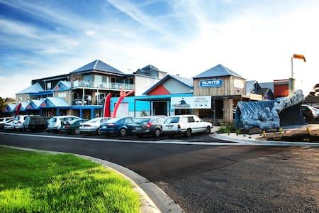 The Island Accommodation - Phillip Island YHA - Internat