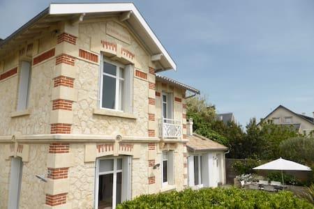 Villa Ancienne 100m de la plage - Vaux-sur-Mer