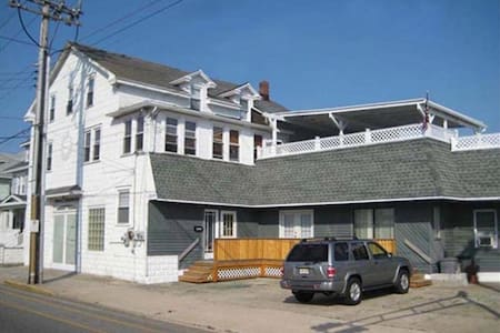Available for Large Family or Group Organizations. Originally built in 1925 and restored better than new offering a true touch of Wildwood comfort and hospitality. 4 blocks from the center of the famous 2.5 mile Boardwalk, Morey's Piers, & Beach.