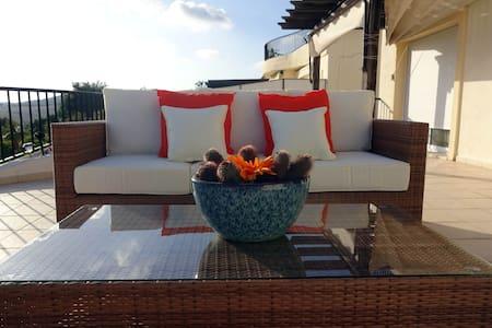Luxury 3 bedroom apartment - San Roque