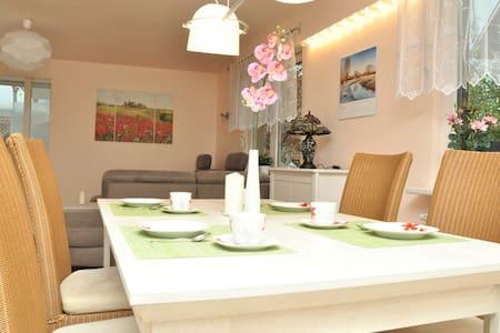 200m² Ferienwohnung in Walldorf - SAP nähe - Walldorf - House