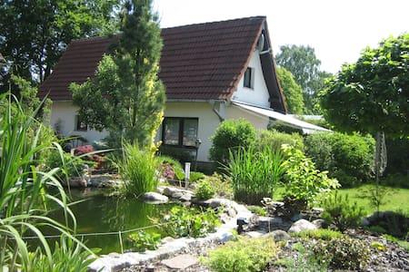 4 Pers. Ferienhaus Teich & Garten - Casa