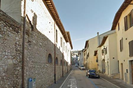 Centro Spoleto, 4 posti
