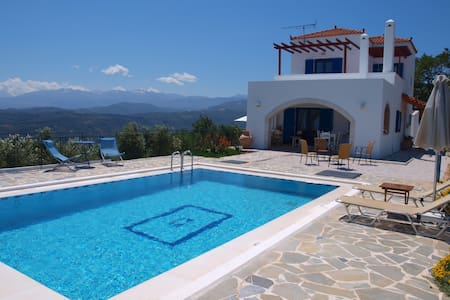 Villa big pool& seaview 10% OFF FOR EARLY BOOKING - vouves - Villa