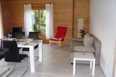 Apartment Limburg im Holzblockhaus - Holzmaden - Pis
