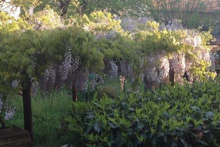 Casa e giardino a Pontremoli - Kondominium