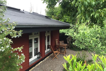 Oase der Stille in einem kleinen Schwedenhaus - Hus