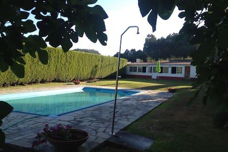 Chalet para 6 personas con piscina. - Hus